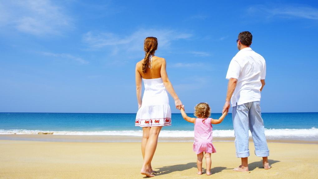 На весенние школьные каникулы - пляжный тур: россияне не планируют сидеть дома