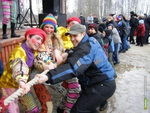 Тамбовских студентов с масленицей поздравит Сергей Маркин