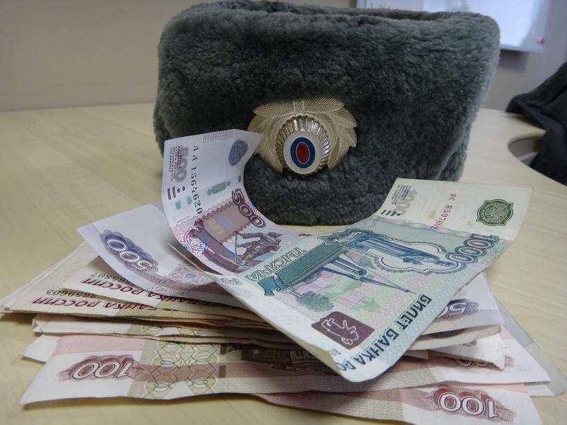 Тамбовского ДПСника обвиняют в мошенничестве
