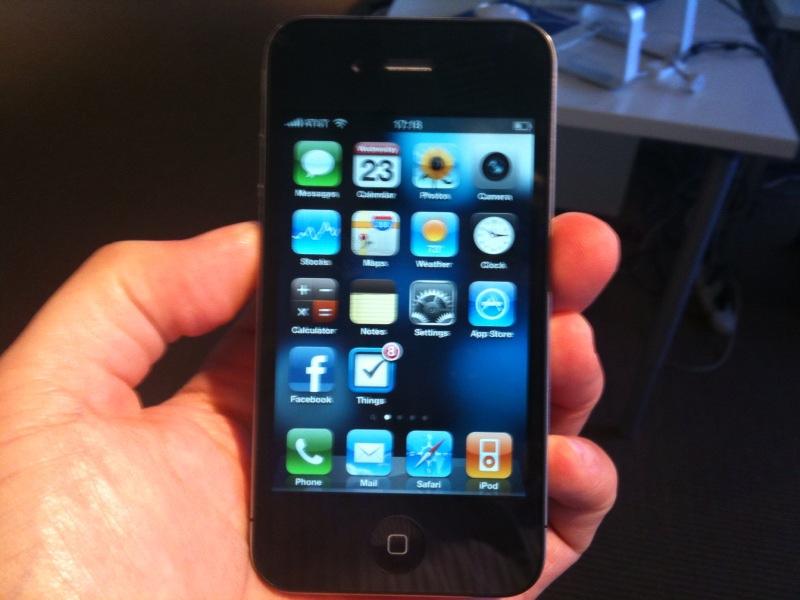 Российским призывникам запретили пользоваться iPhone