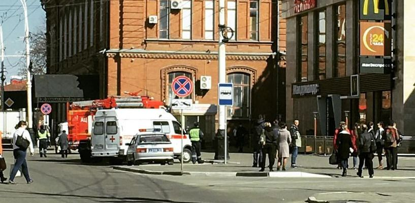 Подозрительные предметы, оставленные в торговом центре Тамбова, привели к эвакуации посетителей