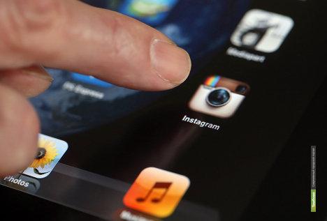 Instagram разрешил пользователям отмечать на фото друзей и бренды