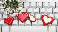 Пользователи рунета атаковали поисковики запросами о любви