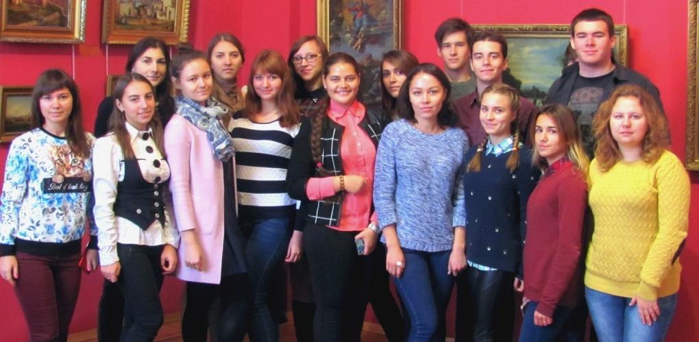 Клуб «Диалог культур» Тамбовского филиала РАНХиГС посетил выставку картин петербургских художников