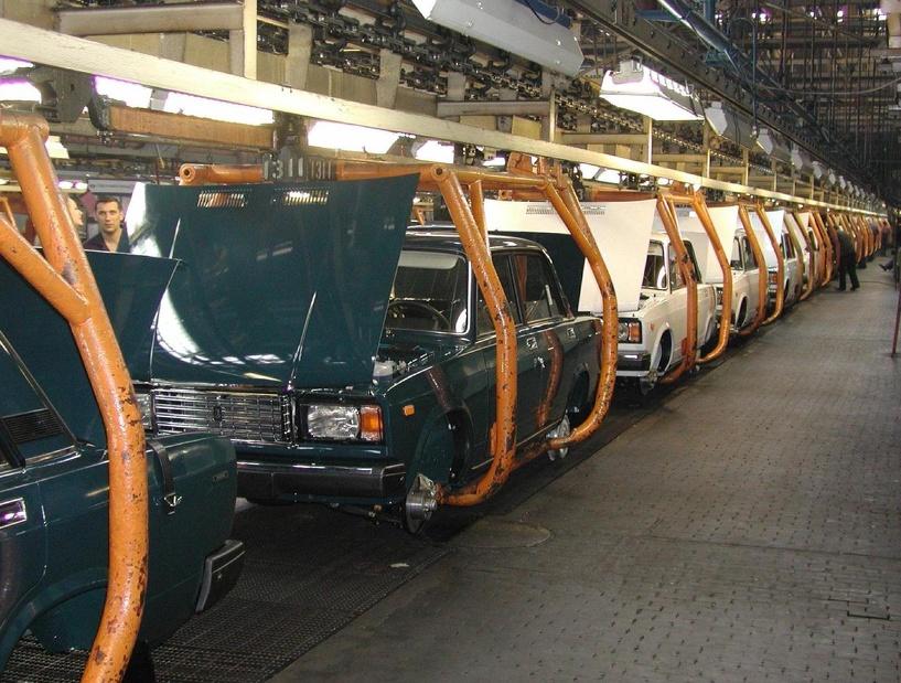 АвтоВАЗ сократит в мае 150 человек вместо 1500