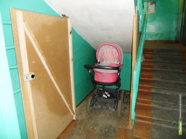 Тамбовчанин украл детскую коляску из подъезда жилого дома