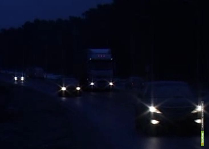 Дорожники никак не выведут Рассказовское шоссе из тьмы