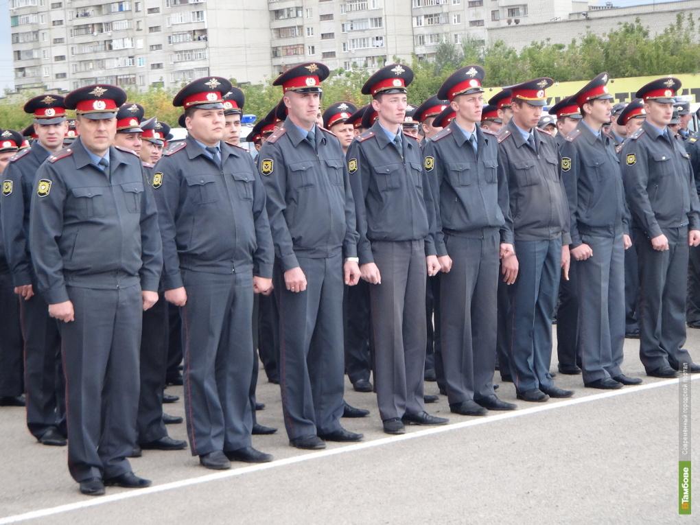 Тамбовские полицейские после парада отправились на службу