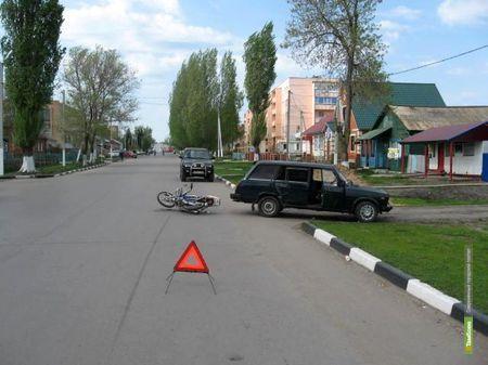 Девятиклассника на скутере сбил тамбовчанин на «Четвёрке»