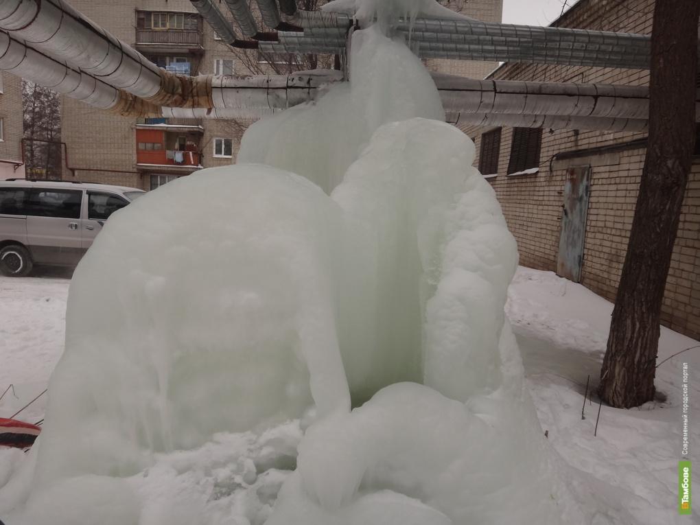 В тамбовском дворе появился «морозный» уголок