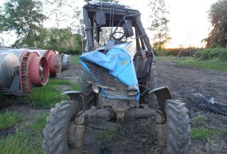 На Тамбовщине перевернулся трактор