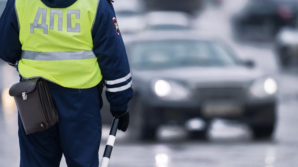 Не разъехались на перекрёстке: один из водителей в больнице