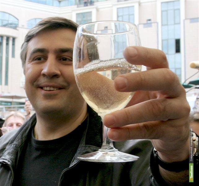 Онищенко против водки, но за вино