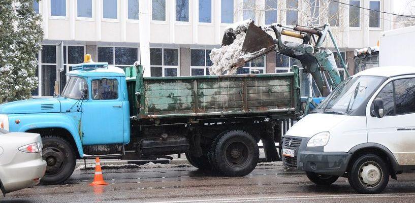 Вот так апрель: из Тамбова за сутки вывезли 600 тонн снега