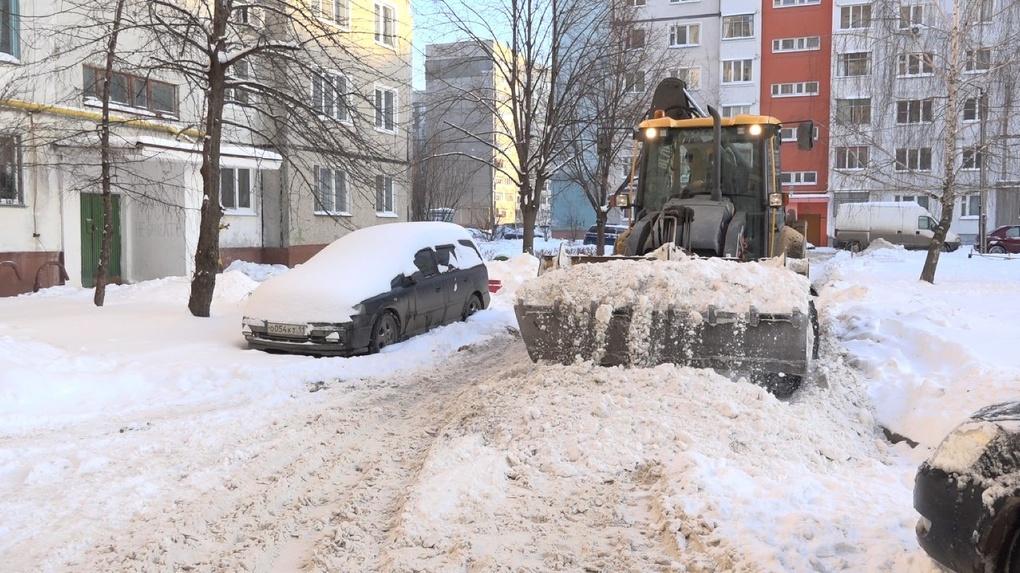 Счет пошел на тысячи тонн: сколько снега убрали с тамбовских улиц за неделю?