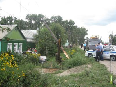 ВАЗ 21150 обесточил в Моршанске целую улицу