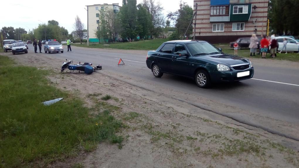 На Тамбовщине мотоциклист влетел в легковушку: он находится в больнице