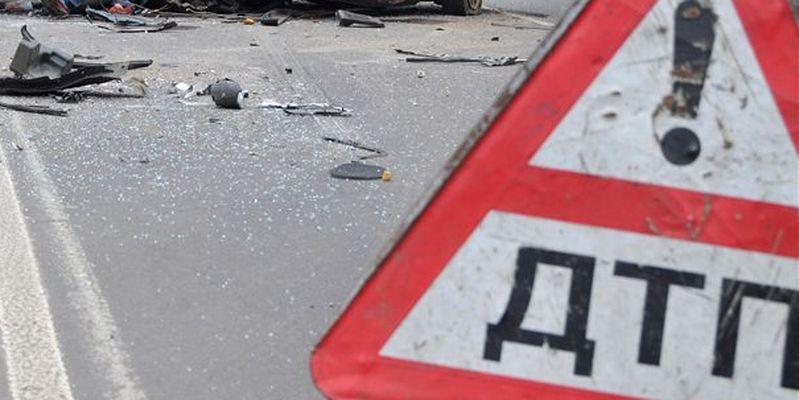 На трассе М6 «Каспий» столкнулись три грузовика и легковушка
