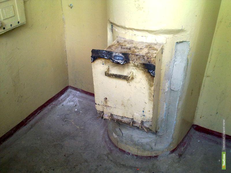 """Тамбовчане """"не поделили"""" мусоропровод в многоэтажке"""