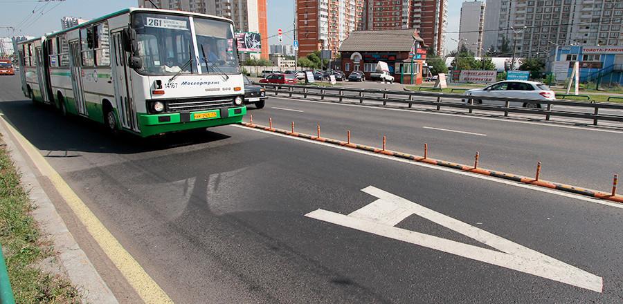В России хотят сделать отдельные полосы для общественного транспорта