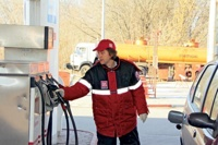 С 1 января бензин стал дороже на 6%