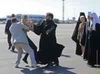 Активистка FEMEN отсидит 15 суток за нападение на патриарха