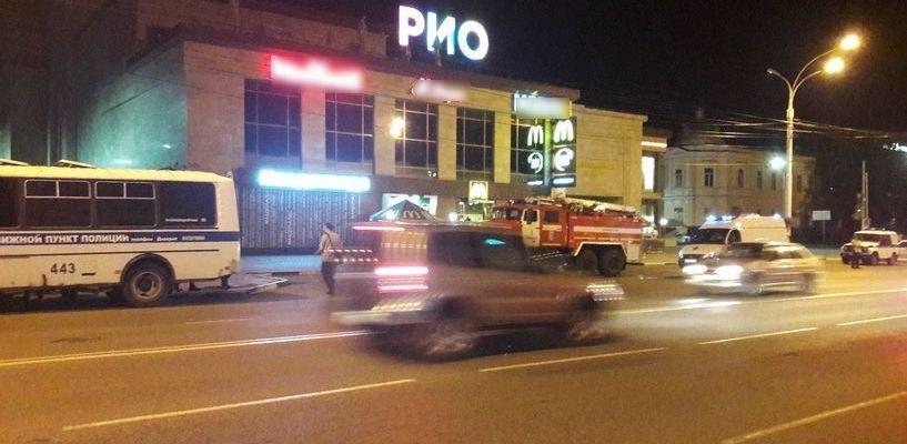 В Тамбове массово эвакуировали людей из крупных торговых центров
