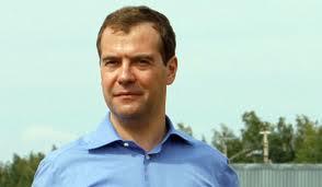 Дмитрий Медведев пообещал тамбовским ветеранам слесаря