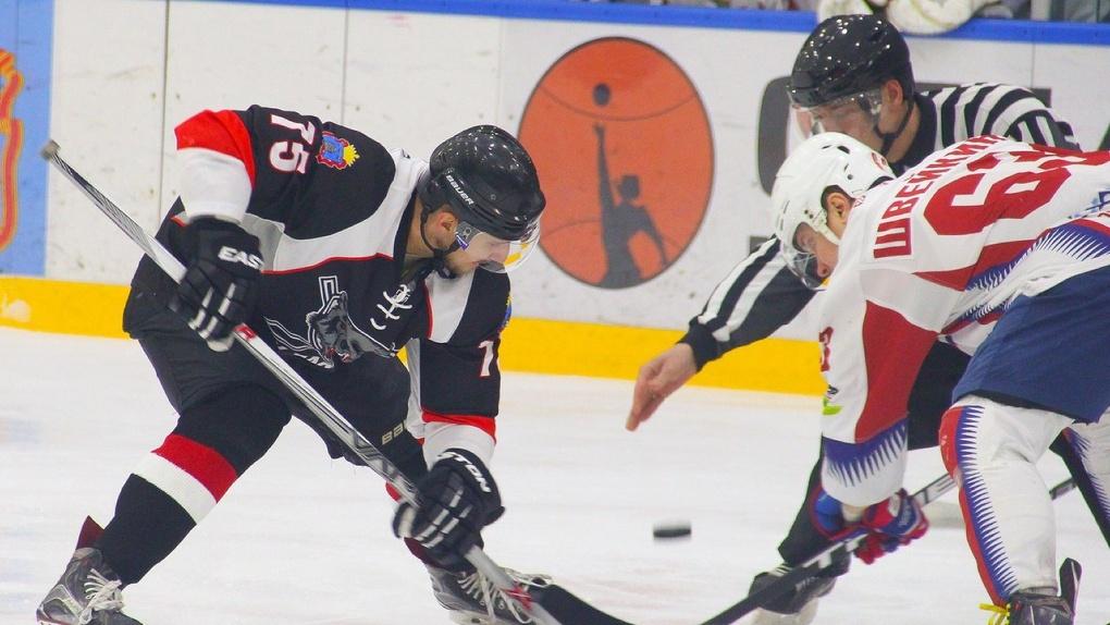 Тамбовские хоккеисты взяли реванш у лидера турнира