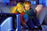 Белорусский канал показал днем фрагмент из фильма для взрослых