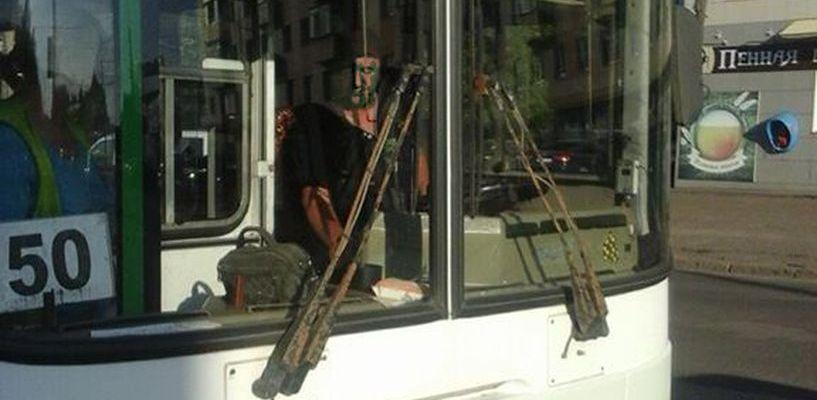 «Гони этих уродов в среднюю дверь»: в Тамбове водитель автобуса оскорбил пассажиров
