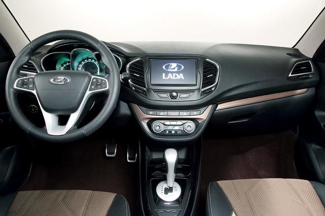 АвтоВАЗ тормозит: с Нового года модели Lada подорожают всего на 7–8%