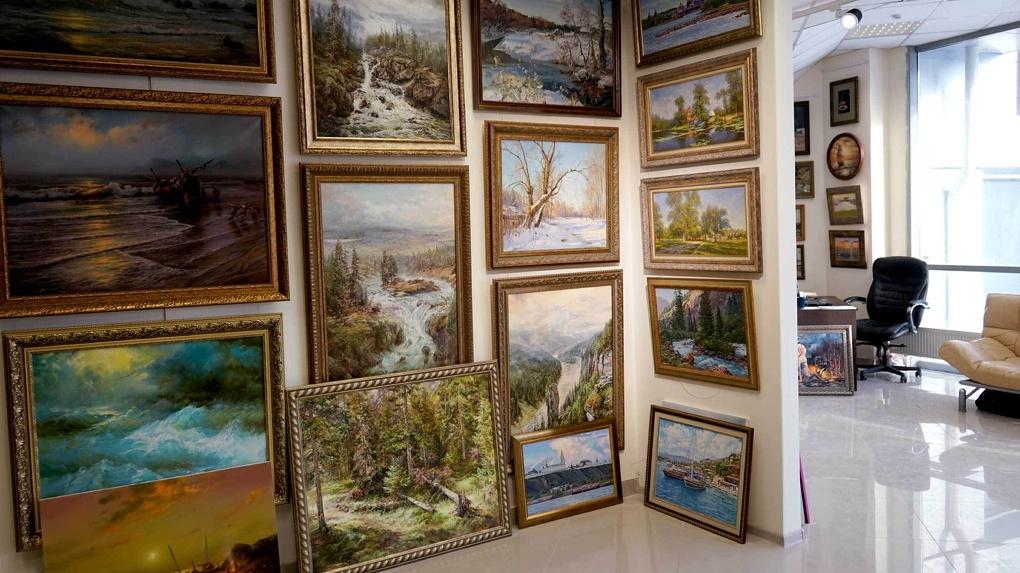 Искусство в темноте: Картинная галерея проведет ночные мастер-классы