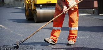 Успеют ли до 1 сентября: недалеко от школы Сколково взялись ремонтировать дорогу