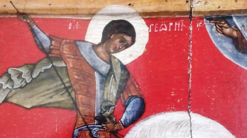 Пятнадцатиметровый рисунок святого Георгия Победоносца в стиле граффити украсил фасад дома в Тамбове