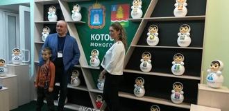 Расширяем производство: первый вице-премьер РФ предложил экспортировать котовских неваляшек