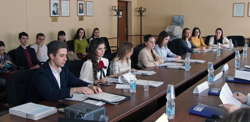 В Институте экономики, управления и сервиса ТГУ имени Державина состоялась II Межвузовская студенческая научно-практическая конференция