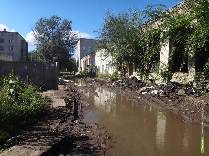 На севере Тамбова почти круглый год стоит непролазная грязь