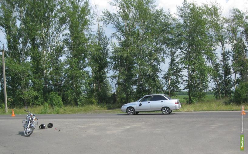 В Тамбовской области столкнулись мопед и легковушка: есть пострадавшие