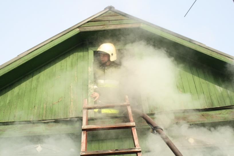Утром во время пожара в областном центре погиб человек