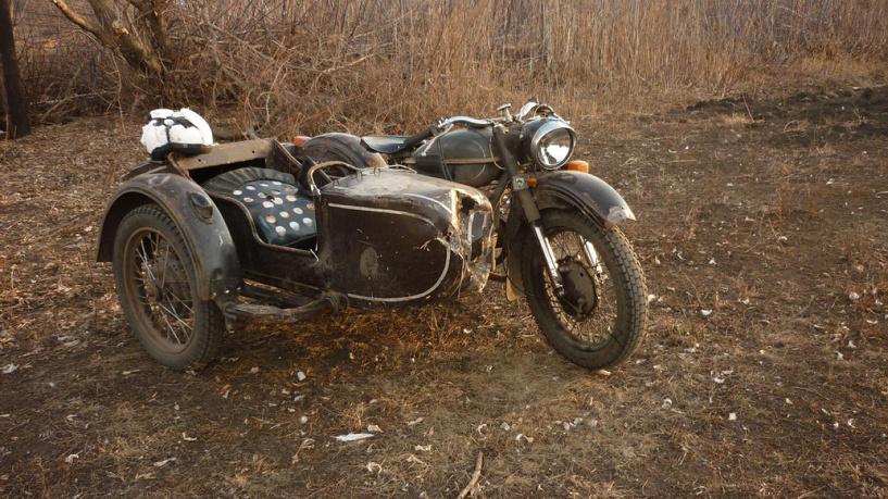 Мотоциклист без прав на полной скорости упал с мотоцикла
