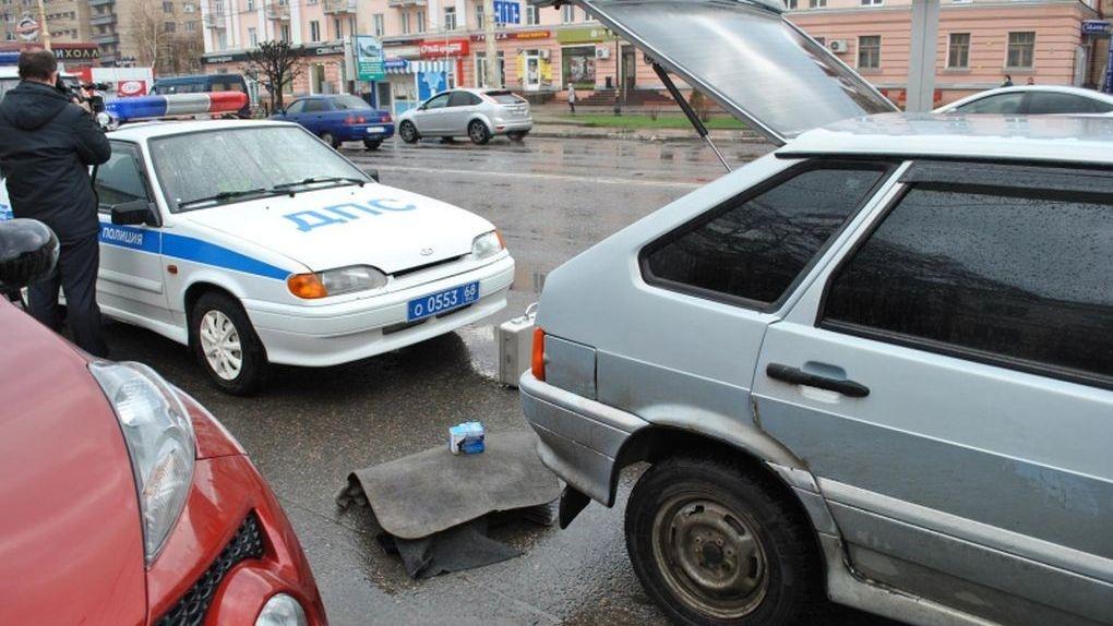 Тамбовские полицейские за два дня изъяли из незаконного оборота 6 единиц оружия и 1 гранату
