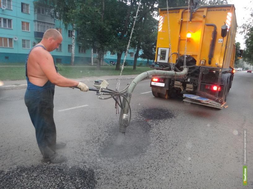 Александр Бобров назвал «болевыми точками» Тамбова уличное освещение, дороги и тротуары