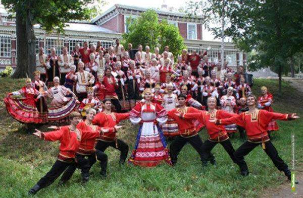 Рязанские хористы споют тамбовчанам стихи Есенина