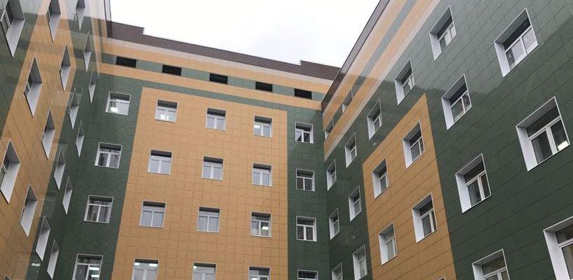 Более 2 тысяч единиц техники: в перинатальном центре монтируют медоборудование