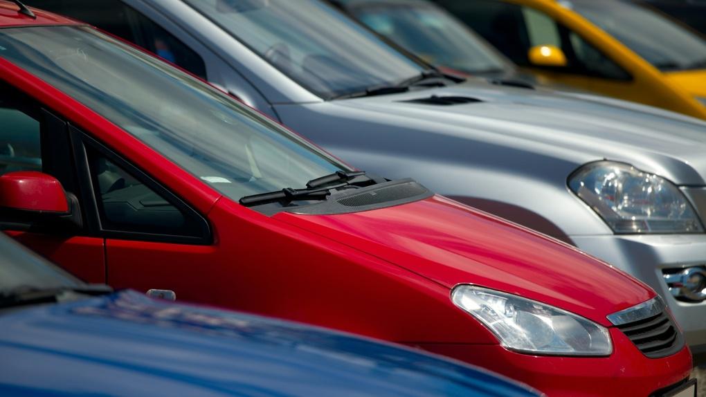Праздничные неудобства: где нельзя будет припарковаться в День защитника Отечества