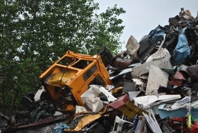 Котовчанин сдал чужой трактор в пункт чермета