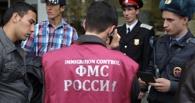 Гастарбайтеров поймали в цехе расфасовки контрафактного алкоголя