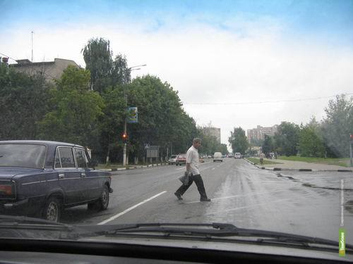 Пенсионер погиб под колесами «Лады»
