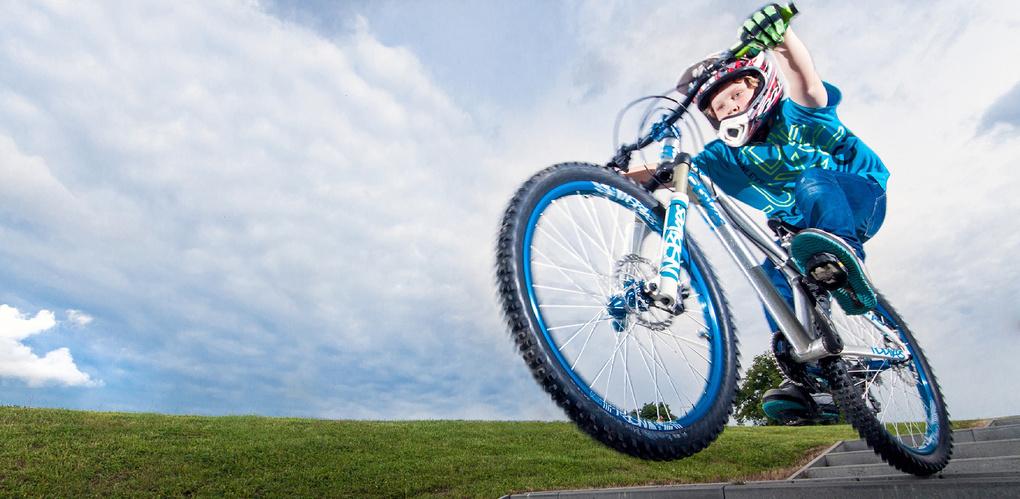 Обеспечиваем безопасность юного велосипедиста